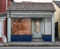 63 Closed Shop, High Street, Borth